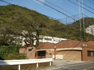 800px-uguisudani_high_school2008-1